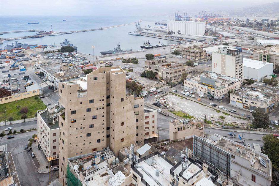 Stone-Garden-l-immeuble-vert-qui-a-resiste-a-l-explosion-de-Beyrouth